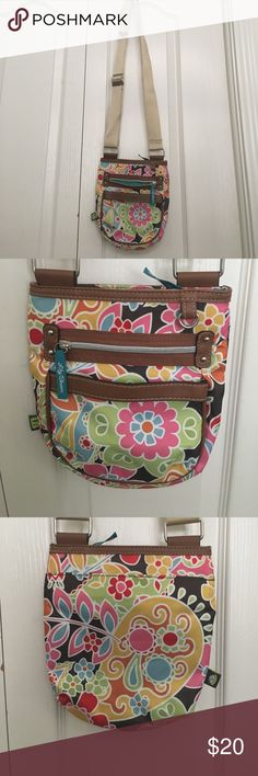 Lily Bloom Crossbody Purse This cute crossbody purse is great for anywhere you don't want to lug around a large purse/bag. Great condition, no stains or dirt marks. Lily Bloom Bags Crossbody Bags