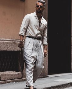 Summer Smart Casual, Bohemian Style Men, Mens Fashion Suits, Fashion Menswear, Linen Suit, Pleated Pants, Work Wear, Fashion Looks, My Style