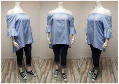 """au top ce chemisier épaules nues """"Brigitte"""", en bleu ciel ou en noir du 46  au 50 à 24€ avec mon jeans brut stretch taille haute que j'ai replié en bas (du 46/48 au 54/56 à 35€) et mes baskets en toile bleu marine (du 40 au 45 à 30€)"""
