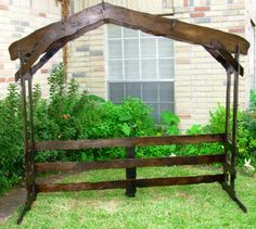 bad link , but cool stable for outdoor nativity scene