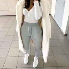 Image uploaded by ~luxurious Taste~. Find images and videos about fashion, ootd and fashionista on We Heart It - the app to get lost in what you love. Cute Lazy Outfits, Chill Outfits, Mode Outfits, Classy Outfits, Trendy Outfits, Pastel Outfit, Lookbook Mode, Mode Hipster, Modelos Fashion