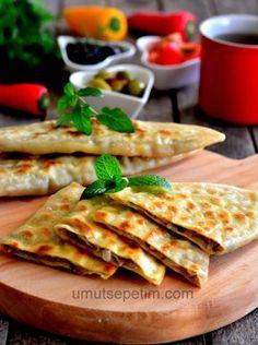 Çìğ börek - ❤️ JS Meat Recipes, Cake Recipes, Turkish Recipes, Ethnic Recipes, Deserts, Turkey, Bread, Cooking, Breakfast