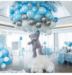Shower Favors And Prizes Baby shower centerpiece idea - balloons and girant floating bear - so cute!Baby shower centerpiece idea - balloons and girant floating bear - so cute! Deco Baby Shower, Baby Shower Balloons, Baby Shower Favors, Shower Party, Baby Shower Parties, Baby Shower Blue, Teddy Bear Baby Shower, Baby Boy Balloons, Boy Baby Showers