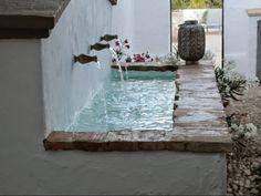 Cortijo El Guarda: sun, field and silence Japanese Style House, Casa Patio, Pond Fountains, Corner Garden, Backyard Playground, Porches, Outdoor Living, Outdoor Decor, Spanish Style