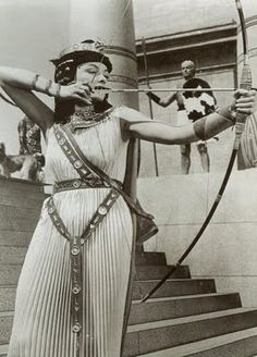 one of my favorite egyptian movies, and one of my favorite archery movie moments! The Egyptian (1954)