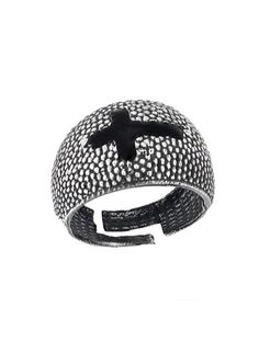 Ανδρικό Δαχτυλίδι Ασημένιο 925 Αναφορά 022257 Ένα πανέμορφο ανδρικό δαχτυλίδι που μπορείτε να χαρίσετε στον αγαπημένο σας κατασκευασμένο από Ασήμι 925 σε χρώμα λευκό.Το μέγεθος του μπορεί να προσαρμοστεί στο νούμερο της αρεσκείας σας