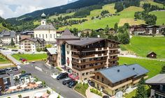 Premium All Inclusive Alpinresort in Saalbach Spa Hotel, All Inclusive, Sport, Mansions, House Styles, Ski Trips, Winter Vacations, Snow, Hiking