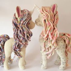 Crochet patterns by South African designers Vanessa Smith, Monika Mohr and Jessie Van In. Afghans, Baby blankets, Amigurumi and wearable items. Crochet Yarn kits with hand dyed Organic Cotton and hand painted Merino. Poney Crochet, Crochet Pony, Crochet Horse, Cute Crochet, Crochet Yarn, Crochet Stitches, Crochet Pattern Free, Crochet Animal Patterns, Crochet Patterns Amigurumi