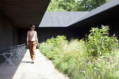 Contemplative spacesThe design emphasizes the role the senses and emotions play in our experience of architecture. ©Peter Zumthor/ Photograph: Walter HerfstSpecial uses : Use only Serpentine Gallery Pavilion 2011 by Peter Zumthor 1 July - 16 October 2011