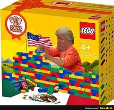 Political Humor And Memes -Solution found Lego Humor, Lego Memes, Trump Building, Funny Jokes, Hilarious, Funniest Jokes, Trump Wall, Really Funny, Legos