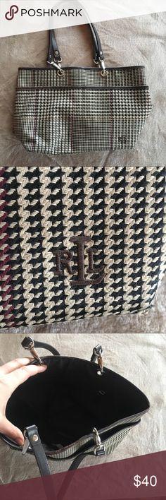 Ralph Lauren handbag. Great condition, so adorable and chic. Ralph Lauren Bags Shoulder Bags