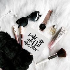 Flatlay, Make-up, Make-up, Schminke, Instagram Photos Ideas, Photo Instagram, Instagram Jokes, Flatlay Makeup, Flatlay Styling, Flat Lay Photography, Makeup Photography, Photography Ideas, Flat Lay Inspiration