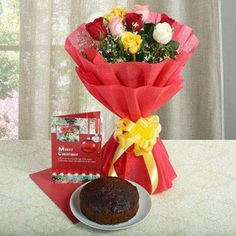 Delicious Plum Cake with Christmas Greeting Card and Roses Merry Christmas, Christmas Greeting Cards, Christmas Greetings, Christmas Gifts, Plum Cake, Ahmedabad, Rose Bouquet, Table Decorations, Tableware