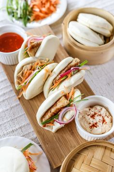 """Gua Bao or """"Taiwanese hamburgers"""" is such a versatile steamed bun, like most breads you can basically fill it with anything and it would work. Wonton Recipes, Fish Recipes, Seafood Recipes, Asian Recipes, Ethnic Recipes, Asian Foods, Yummy Recipes, Healthy Recipes, Bao Burger"""