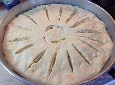 Είναι τόσο απλή και εύκολη, τη λέω τεμπελόπιτα και θα καταλάβετε γιατί!!!! Τόσο εύκολη πίτα, για τη νοστιμιά της δεν υπάρχει, ... Pita Pizzas, Greek Recipes, Tart, Recipies, Food And Drink, Cooking, Desserts, Savoury Pies, Pastries