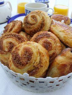 spirale au pralin Pretzel Bites, French Toast, Muffin, Brunch, Bread, Pains, Croissant, Breakfast, Pizza