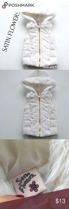 Baby puffer vest EUC 💁🏻, bundle bundle bundle and save 😍✊🏼, measurements upon request 📏, thank you for shopping my posh closet 💕 satin flowers Jackets & Coats Vests