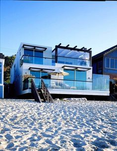 Would love to start my day by stepping onto the sand from my lovely Beach House!!