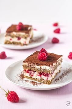 Simple non-alcoholic no-egg tiramisu with fresh raspberries. No Egg Desserts, Quick Easy Desserts, Sweet Desserts, Non Alcoholic Tiramisu Recipe, Raspberry Tiramisu, Cake Recipes, Dessert Recipes, Raspberries, Cupcake Cakes