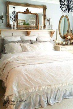 Romantic/shabby chic style bedroom
