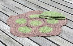 mest virkat: Virkad sköldpaddsmönstrad filt och mössa