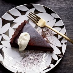 Looking for chocolate recipes? Find the best chocolate desserts & ideas on Food & Wine with recipes that are fast & easy. French Desserts, No Cook Desserts, Just Desserts, Dessert Recipes, Dessert Ideas, Tart Recipes, Wine Recipes, Flour Recipes, Best Chocolate Desserts