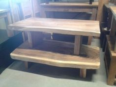 Strakke boomstam salontafel in zeer strakke moderne uitvoering. Deze salontafel past uitstekend in een modern interieur.
