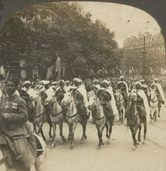 Super stylish Spahis - Muslim soldiers from Morocco, defended France in WW1