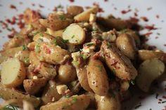 Baba-aartappelslaai met Spek en Heelkorrelmosterd Kos, South African Recipes, Ethnic Recipes, Dessert Recipes, Desserts, Potato Salad, Watermelon, Salads, Healthy Recipes