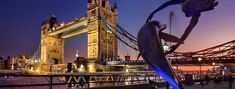 A London Tourist Guide. You Don't Need A Travel Agent To Pick A Great London Hotel. A great hotel turns your vacation into a fantasy. Read on to find out how to find an affordable place Piccadilly Circus, London Eye, Venice Italy Hotels, Rio Tamesis, U Bahn Station, Big Ben, Christmas In Europe, Destinations, Der Bus
