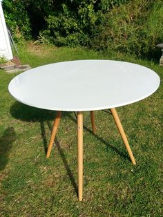 Excellent condition Danish 4 seater round dining table. White top with beech wood legs. 90cm Diameter, 73cm H. Facebook page & shop @woodgrainrevival. Search my other items. Will discount for multiple purchases. For inspections txt WoodGrain Revival 0409563148 Prefer cash or bank transfer, not PayPal please. I offer a delivery service. Pick up is fine. I'm located in Essendon. Thanks | eBay!