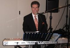 Whether you are looking for live piano music for a cocktail party, holiday party, or wedding ceremony, pianist Arnie Abrams and his talented staff of piano players, guitarists, saxophone players, violinists, accordionists, and vocalists incorporate the very best in professional live music available.