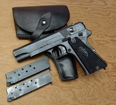 WWII-Some German Pistols and Holsters.