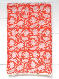 Colorful, unique design: carpets, bedspreads, runners and hand woven textiles Indian Textiles, Indian Fabric, Indian Crafts, Indian Patterns, Weaving Textiles, Summer Design, Indian Summer, Pattern Wallpaper, Turban