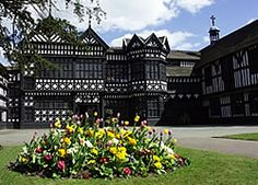 Visit Bramall Hall in Stockport. A magnificent black and white timber-framed Tudor manor house set in 70 acres of parkland. English Architecture, Historical Architecture, Architecture Details, Beautiful Homes, Beautiful Places, Castles In England, Interesting Buildings, Wedding Reception Venues, Historic Homes