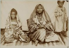 """"""" The Shirazi are a group of the Swahili people living on the Swahili Coast of East Africa, especially on the islands of Zanzibar, Pemba and Comoros. Local traditions about their..."""