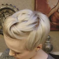 Look at this great style video by . Comment if want more styling tutorials (Short Hair Tutorial) Short Hair Back, Short Hair With Bangs, Short Hair Cuts, Haircut For Thick Hair, Haircut And Color, Pixie Haircut, Funky Hairstyles, Pretty Hairstyles, Wedding Hairstyles