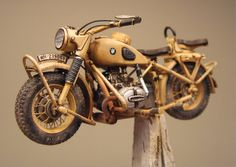 Motorcycle scale model, Lion Roar BMW by Marcel du Long. Miniatur Motor, Afrika Corps, Weather Models, Truck Scales, Miniature Cars, Model Hobbies, Model Tanks, Military Modelling, Cardboard Art