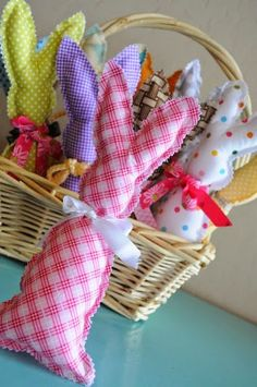 DIY::A Basket of Bunnies With Free Template