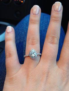 Amazing pear shaped diamond engagement ring!!