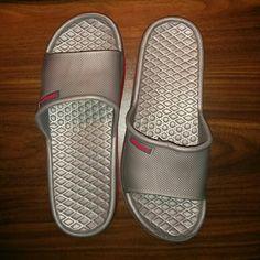 Selling this Men's Slippers in my Poshmark closet! My username is: dayen. #shopmycloset #poshmark #fashion #shopping #style #forsale #Shoes