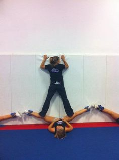 My coach does this! And they say cheer isn't a sport. Cheer Stunts, Cheer Dance, Cheerleading, Cheer Coaches, Cheer Bows, Cheer Up, Cheer Flexibility, Increase Flexibility, Cheer Stretches