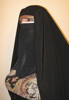 Make a book Niqab Fashion, Modern Hijab Fashion, Muslim Women Fashion, Girl Fashion, Arab Girls Hijab, Girl Hijab, Muslim Girls, Muslim Couples, Beautiful Iranian Women