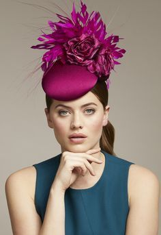 London based milliner Juliette Botterill makes beautiful bespoke headpieces and hats for that special occasion. Millinery Hats, Fascinator Hats, Fascinators, Sinamay Hats, Headpieces, Funky Hats, Cool Hats, Cashmere Hat, Pamela