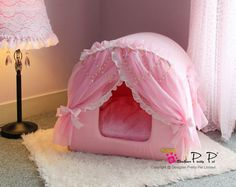 Pink Princess House Pet Bed - Petfavors.com - The on-line store for pampered pets. Designer pet beds, pet carriers, outdoor cat enclosures, pet strollers