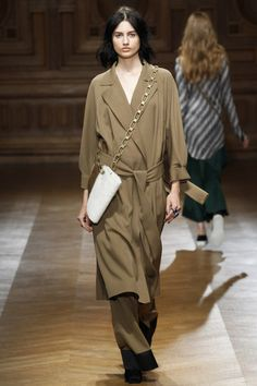 Sharon Wauchob Spring 2016 Ready-to-Wear Collection - Vogue