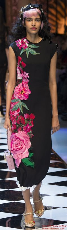 Fall 2016 Ready-to-Wear Dolce & Gabbana Stefano Gabbana, Runway Fashion, High Fashion, Fashion Show, Womens Fashion, Fashion 2016, Bunt, Floral Fashion, Colorful Fashion