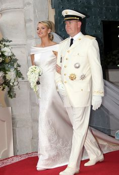 2011 Charlene of Monaco wedding dress @weddingchicks