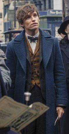 eddie redmayne as newt scamander Mundo Harry Potter, Harry Potter Characters, Harry Potter World, Newt Fantastic Beasts, Fantastic Beasts And Where, Eddie Redmayne, Newton Scamander, Harry Potter Wallpaper, Harry Potter Universal