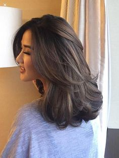 Straight Medium Length Hairstyles for Women to Look Attractive; Middle Parted Medium Straight Hair. Straight Medium Length Hairstyles for Women to Look Attractive; Middle Parted Medium Straight Hair. Haircuts Straight Hair, Short Haircuts, Medium Straight Haircut, Hairstyles For Medium Length Hair With Layers, Korean Haircut Medium, Long Layered Haircuts, Brown Blonde Hair, Medium Hair Cuts, Medium Hair Styles For Women